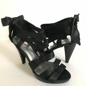 Torrid 4in Heel with Bow accent on Back